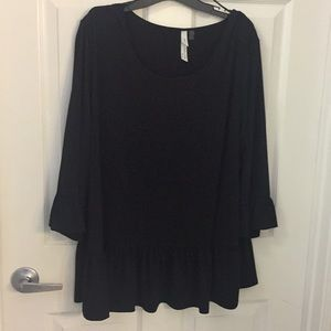 (EUC) 3X Black Ruffle Top by NY Collection